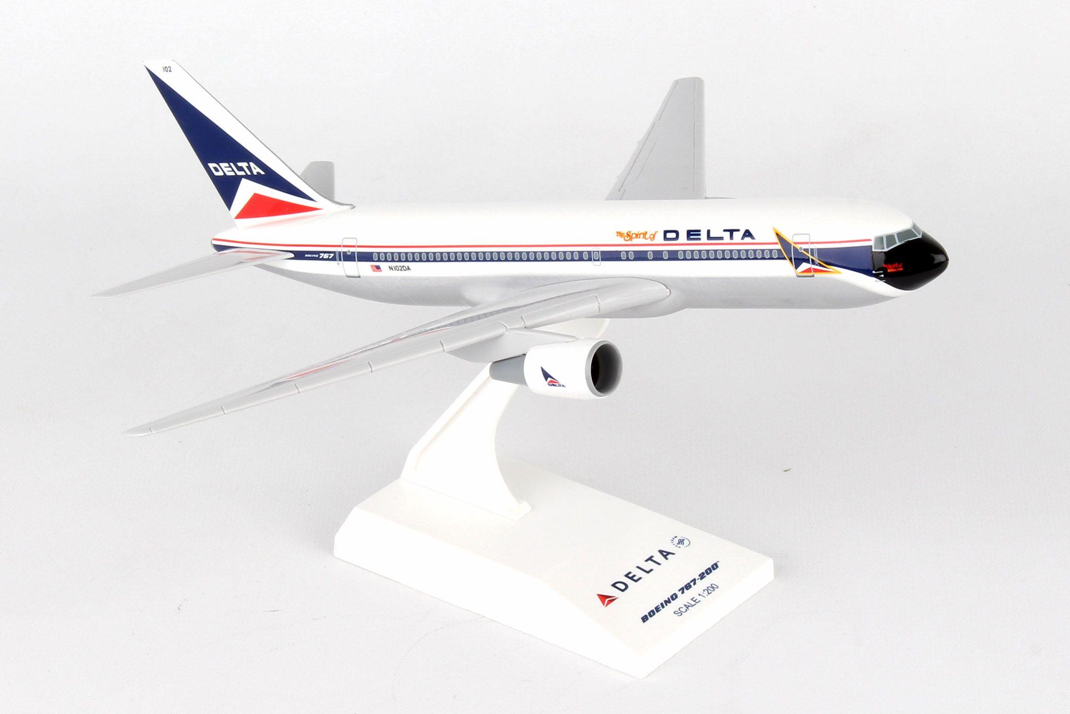 "SkyMarks Flugzeugmodell Delta Airlines Boeing 767-200 ""Spirit of Delta"" 1:200"