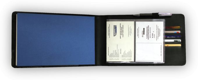 "Design4Pilots - Schutzhülle für Flugbücher ""Pilot Logbook Professional"""
